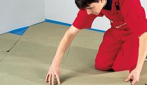 KROK I - Układanie izolacji i podkładu pod panele podłogowe