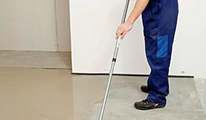 Etap V - Rozprowadzanie wylewki po podłodze